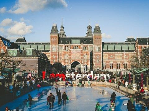 Амстердам станет самым дорогим городом для туристов в Европе