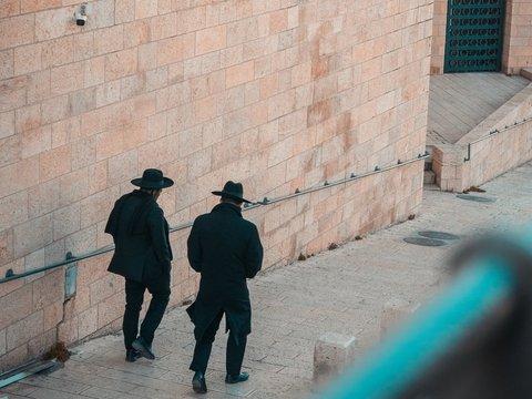 Инквизиция прогнала евреев из Испании. 500 лет спустя они могут вернуться назад