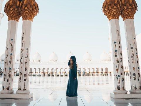 Харам или выгодное дело? Саудовская Аравия идёт на уступки женщинам и туристам