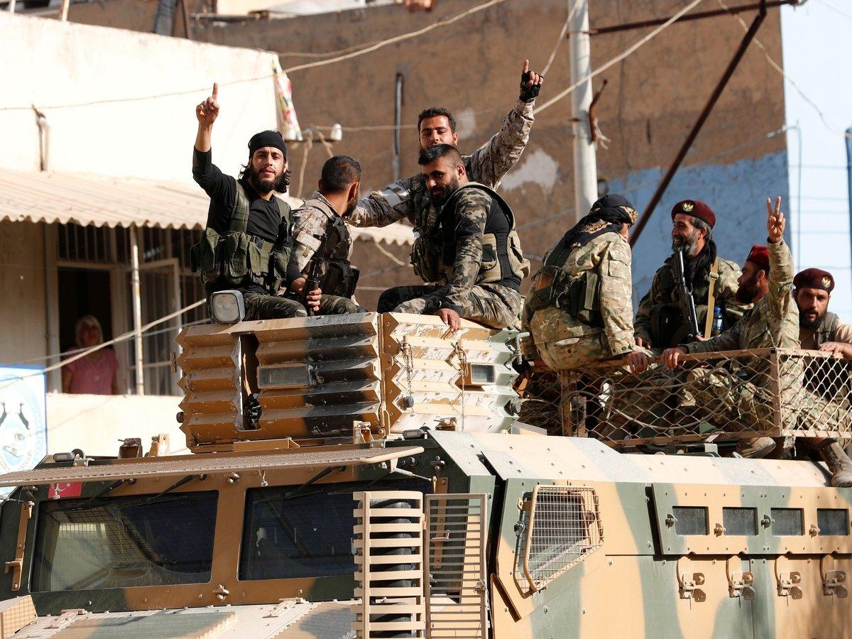 Операция Турции под угрозой: курды договорились с Сирией и будут воевать вместе