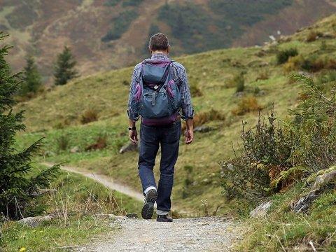 Учёные: чем медленнее походка, тем быстрее догонит старость