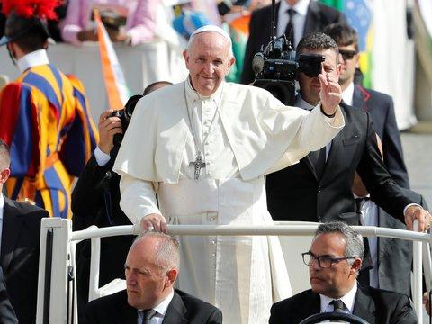 Фитнес-чётки от Папы: они не только помогут в молитве, но и посчитают пульс