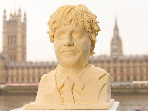 Лучше деревянной Мелании: в Лондоне установили масляный бюст Бориса Джонсона