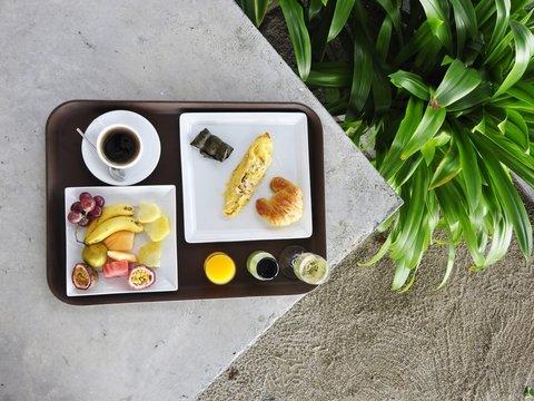 Съесть еду и закусить подносом: в Лондоне создали съедобную посуду для самолёта