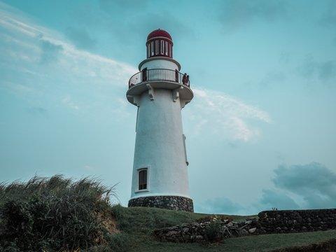 В Дании маяк спасли от приливов — его поставили на колёса и увезли подальше