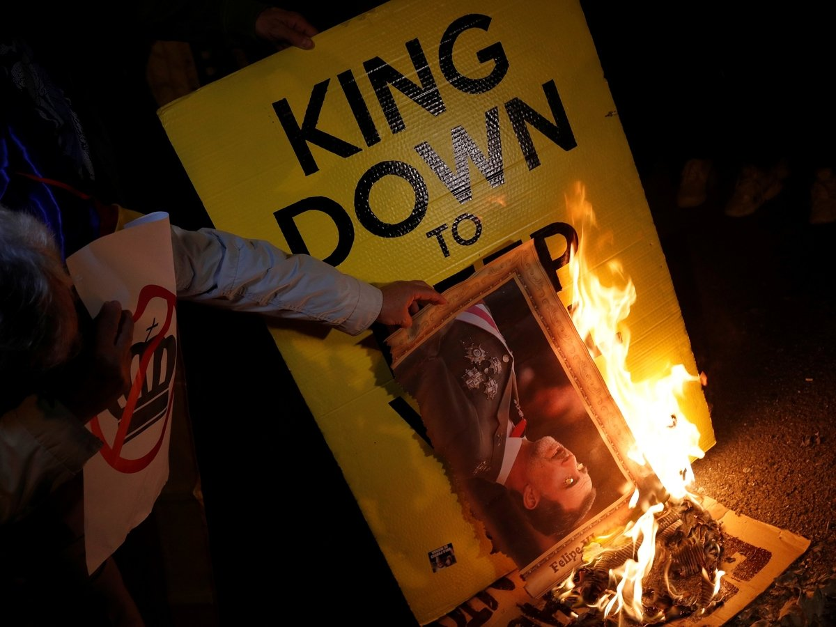 Король Испании приехал в Барселону и вызвал гнев каталонцев. При чём тут Франко?
