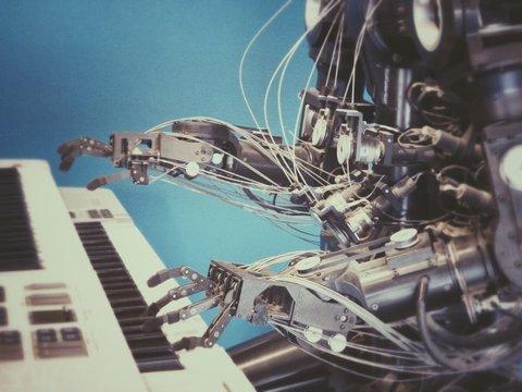 Техно-Людвиг: искусственный интеллект допишет 10-ю симфонию Бетховена