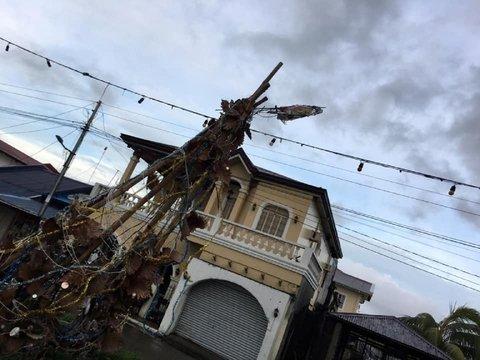 Тайфун Фанфон пронёсся по Филиппинам: 16 погибли, тысячи пострадали (видео)