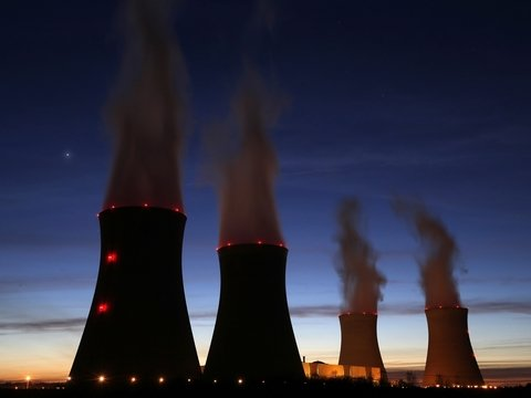Седые канадцы: АЭС в Онтарио по ошибке послала сигнал об аварии