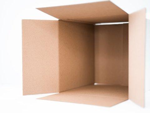 Экономично и экологично: Samsung спасает экологию мебелью из картонных коробок