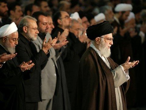 В Иране нестабильно — время помолиться. Аятолла провёл проповедь впервые с 2012