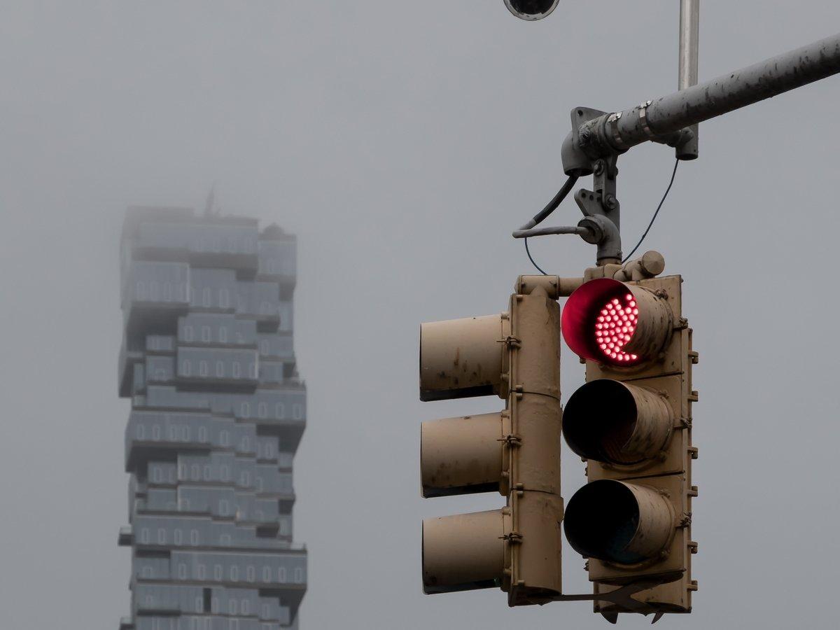 Громче гудишь — дольше стоишь: светофор в Индии сделает улицы тише