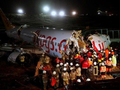 В Стамбуле самолёт съехал со взлётной полосы. 179 человек пострадали, 3 погибли