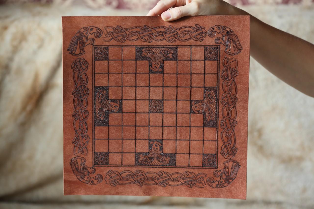 Тавлеи, или хнефатафл, древний аналог шахмат