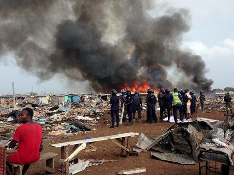 Европейцы засыпали Гану электромусором — там огромная свалка токсичных отходов