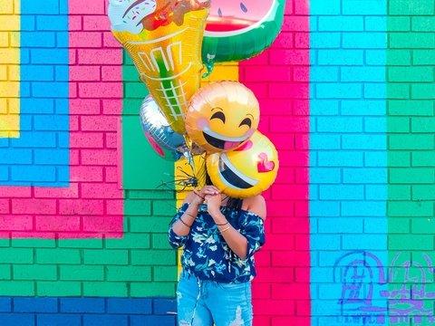 Отметить день рождения с друзьями можно и на карантине — онлайн с маской от ОК