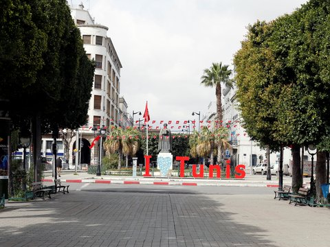 Киберпанк, который мы заслужили: в Тунисе улицы контролирует робот