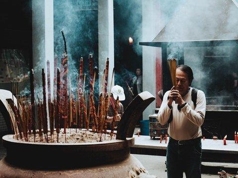 Загробные технологии: в Китае духов мёртвых предков теперь почитают онлайн