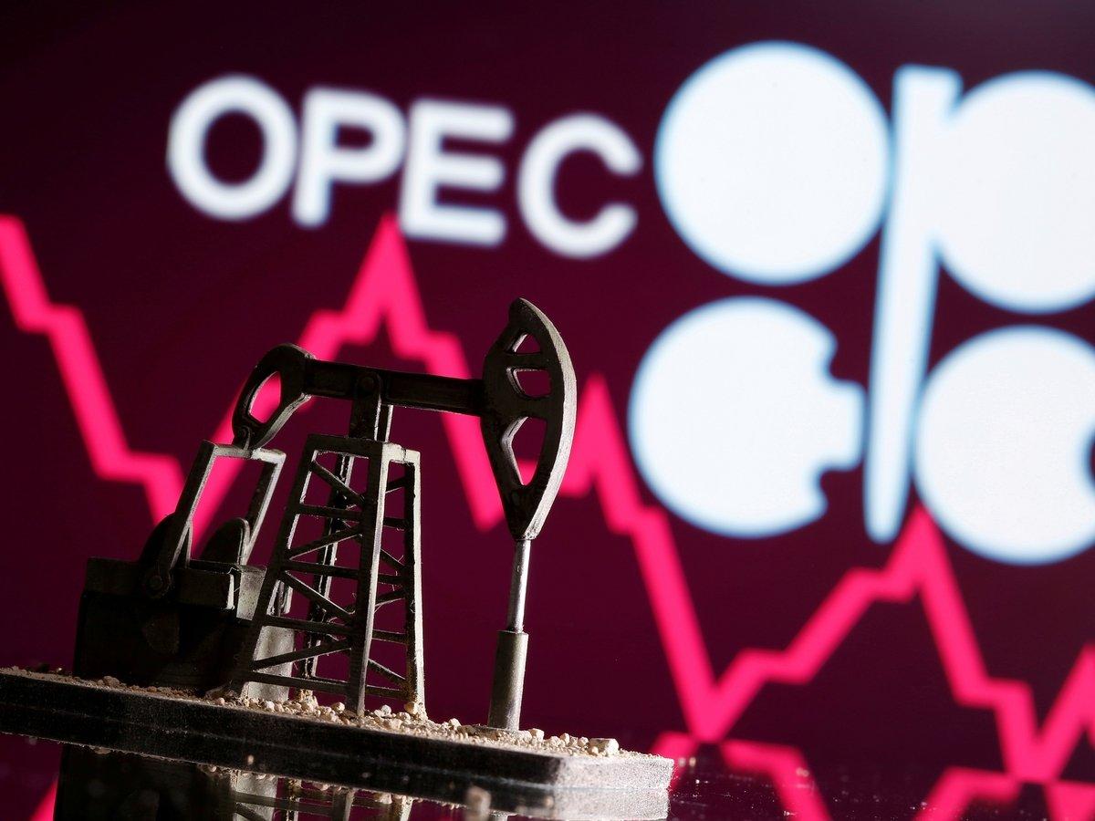 Нефть в минусе, коронавирус в плюсе: объясняем, что происходит в ОПЕК и мире