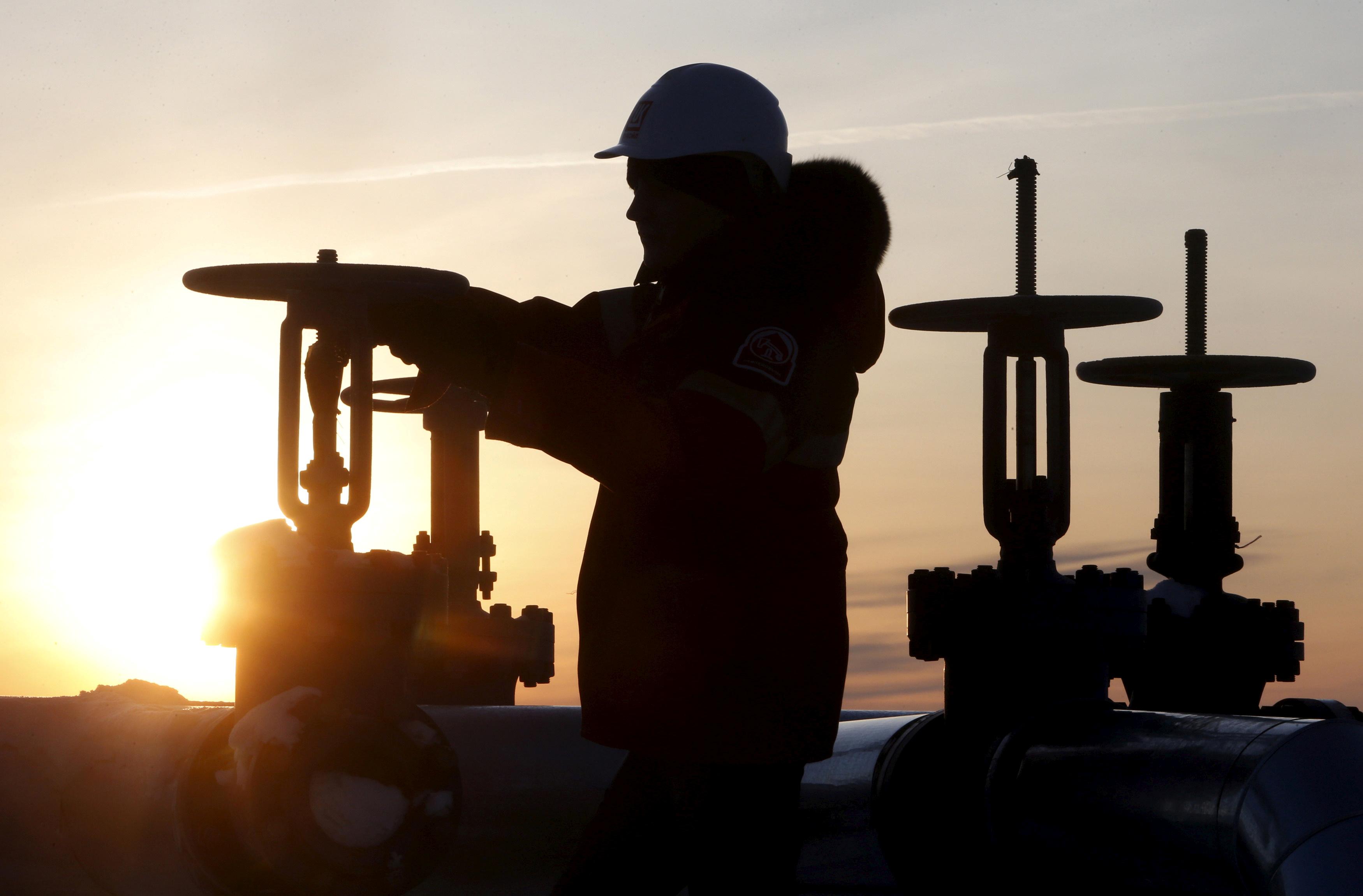 Замораживать добычу нефти дороже, чем качать её на минусовых значениях