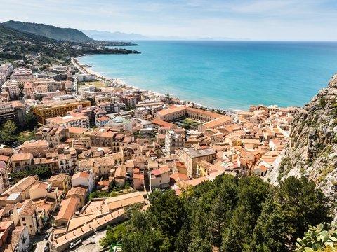 Сицилия оплатит туристам половину отпуска. Но паковать чемоданы ещё рано