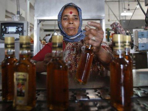В Индии ввели 70% налога на алкоголь — чтобы разогнать очереди за спиртным