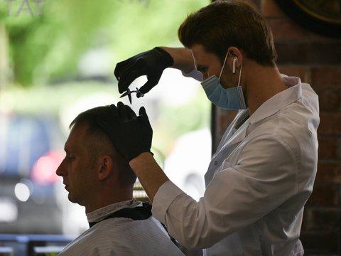 Парикмахеры выходят в онлайн, чтобы спасти волосы клиентов
