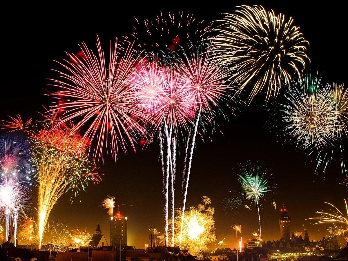 В Японии сезон фестивалей фейерверков, на которые никто не может прийти (видео)