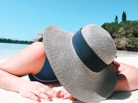 Что будет, если ходить по жаре без головного убора? (Спойлер: ничего хорошего)