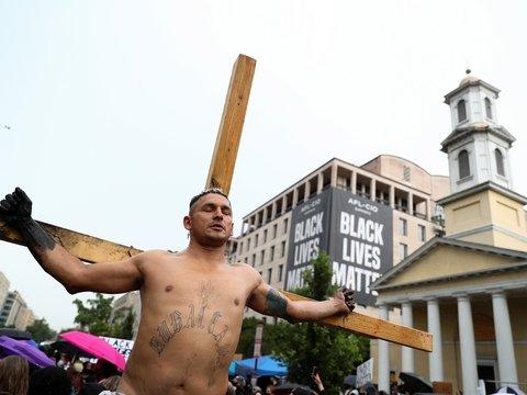 Перекрасьте Иисуса: Сын Божий не был белым, заявили в Англиканской церкви