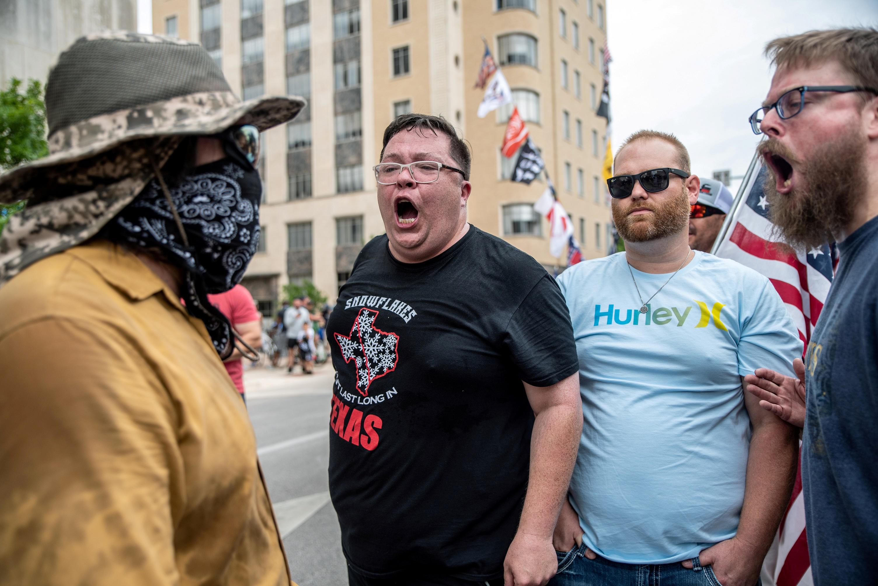 Техасские мужчины борются за мужественность