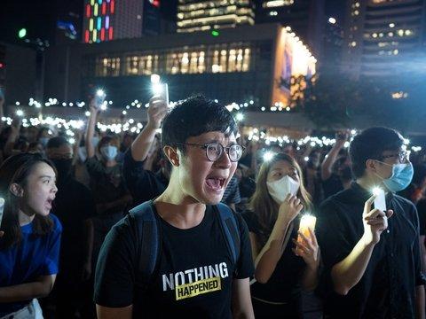 """1984 по-китайски: в Гонконге школьникам запретили петь песню """"Слава Гонконгу"""""""