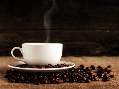 Во всём мире люди на карантине стали отказываться от кофе. Но только не россияне