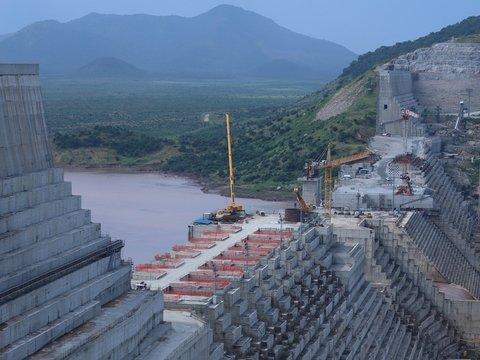 Самая мощная ГЭС в Африке грозит странам засухой и войной за воду