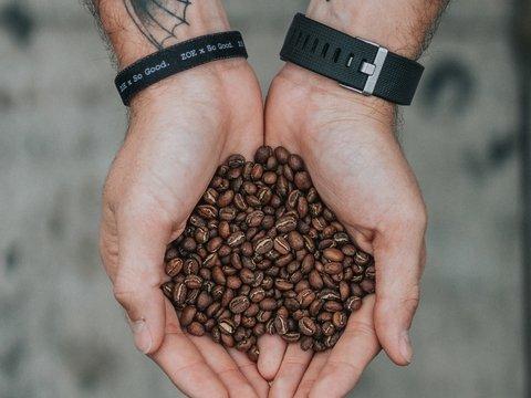 """В Италии нашли кокаин в кофейных зёрнах. Помогла отсылка к """"Джону Уику"""" (фото)"""