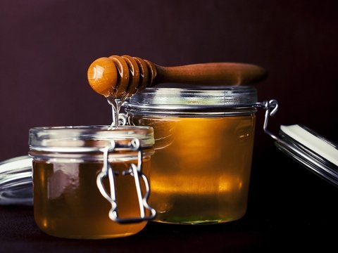 Мёд лечит простуду лучше антибиотиков – учёные проверили