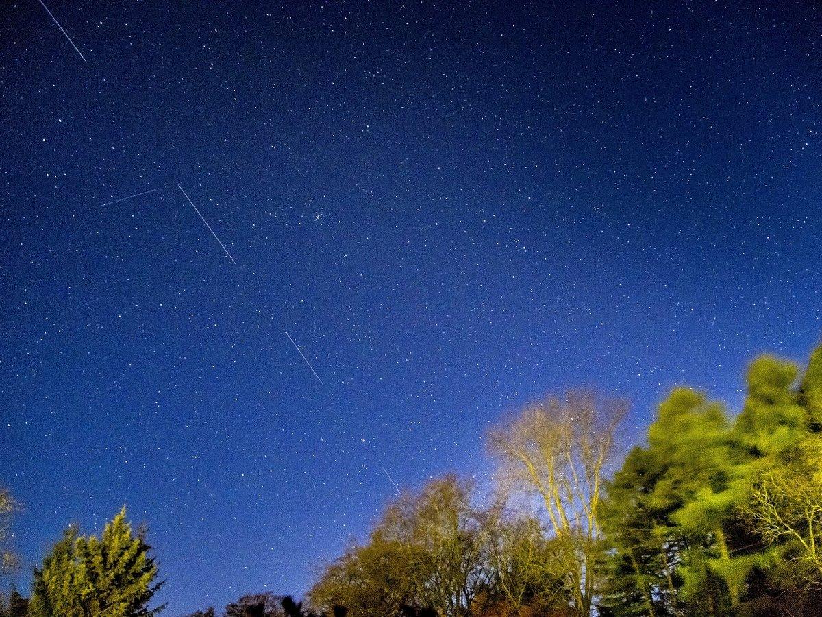 Спутники Starlink от SpaceX раздадут интернет и испортят наблюдение за звёздами