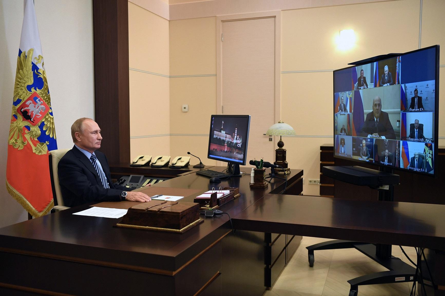 """Президент проверяет принятие """"точечных и эффективных"""" решений"""