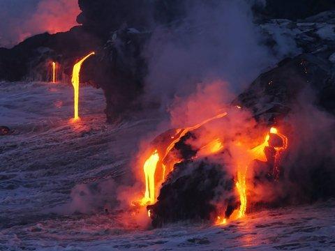С виду мирные вулканы могут внезапно взорваться. Всё из-за нанокристаллов