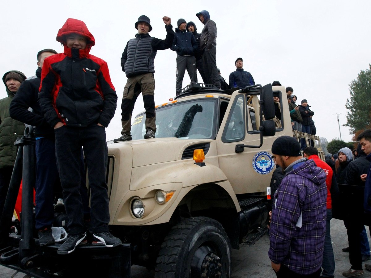 """Киргизские протесты: случится ли в Бишкеке очередная """"цветная революция""""?"""