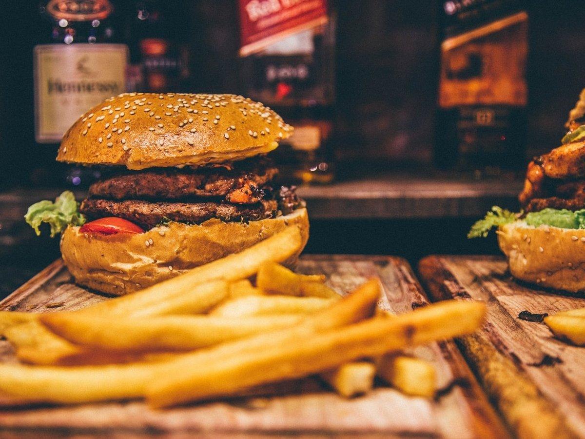 Где вредные вкусняшки? Мозг человека настроен на поиск калорийной еды