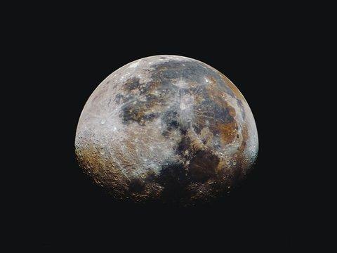 НАСА и Nokia запустят на Луне сеть 4G. Зачем?