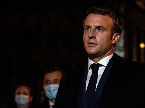Мусульмане бойкотируют французские товары из-за Макрона. Что случилось?