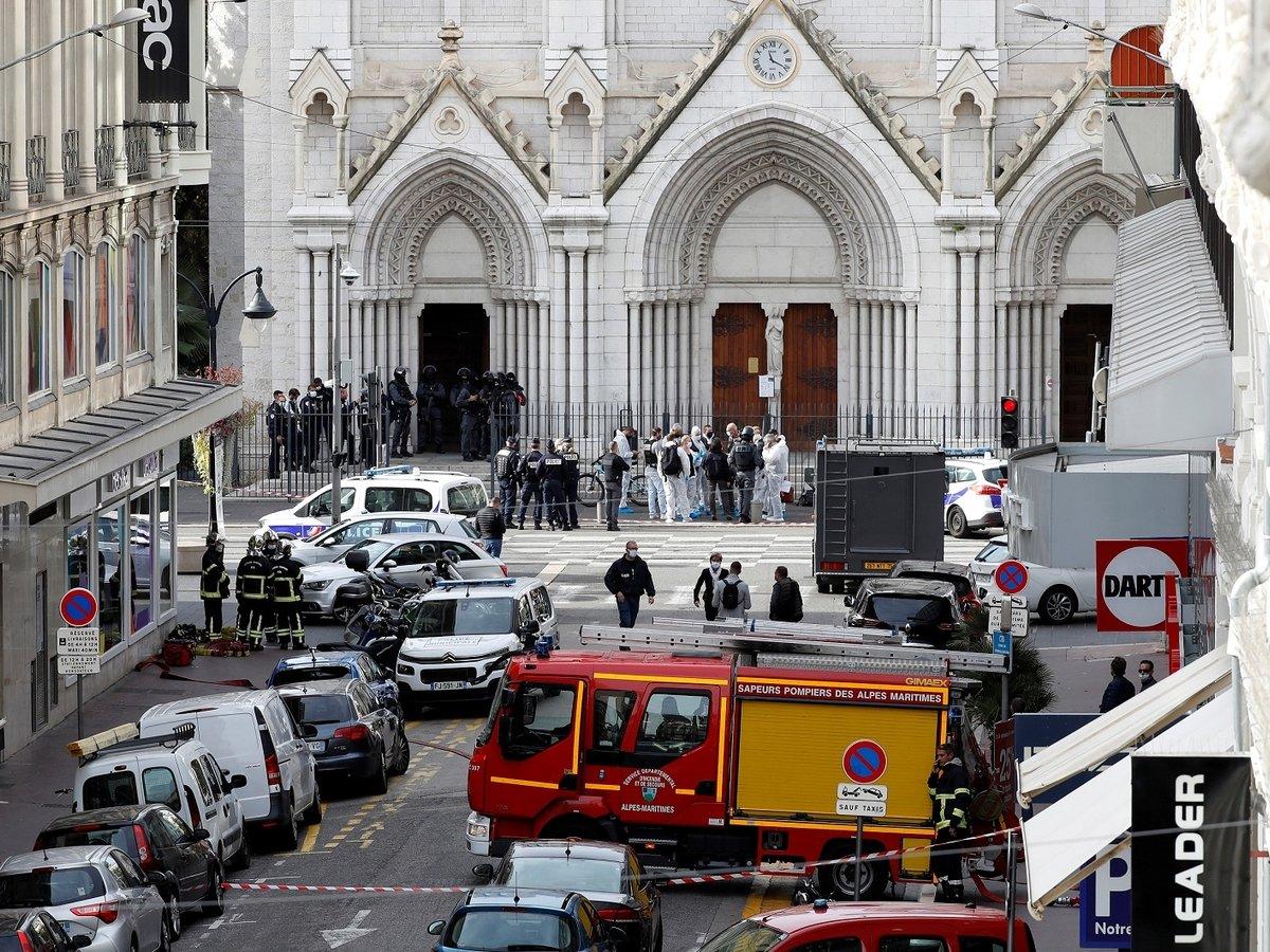 Ещё один теракт во Франции: нападающий убил троих человек в Ницце. Главное
