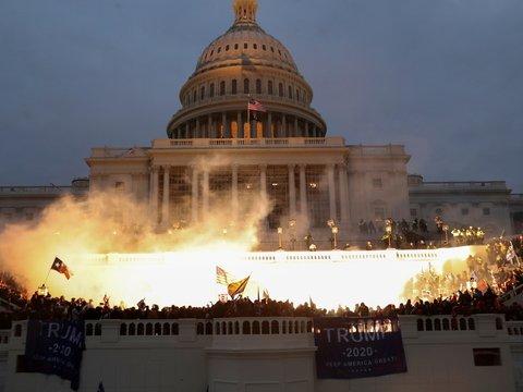 Штурм Капитолия: как и из-за чего это случилось