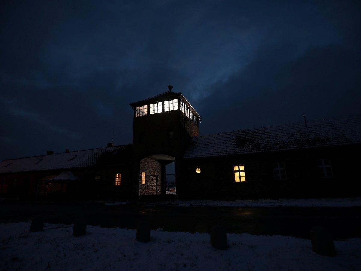 В Германии обвинили бывшего секретаря концлагеря в убийстве 10 000 человек