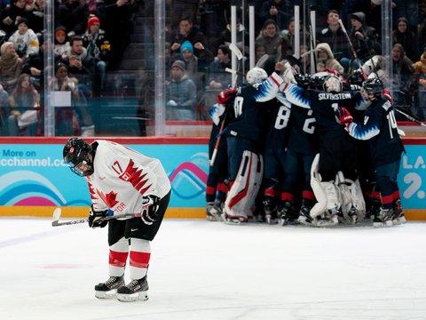 Канадцы сыграли самый долгий в мире хоккейный матч. Он длился 252 часа