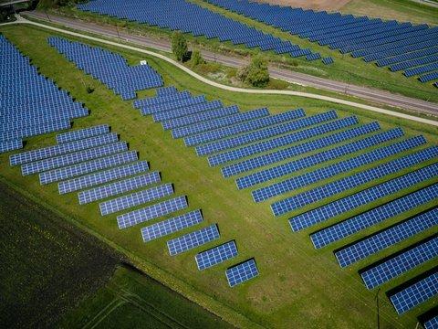 В Сингапуре построили плавучую ферму солнечных батарей (видео)