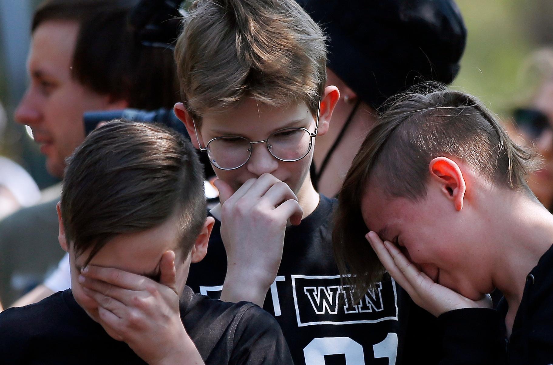 Похороны погибших учеников гимназии №175