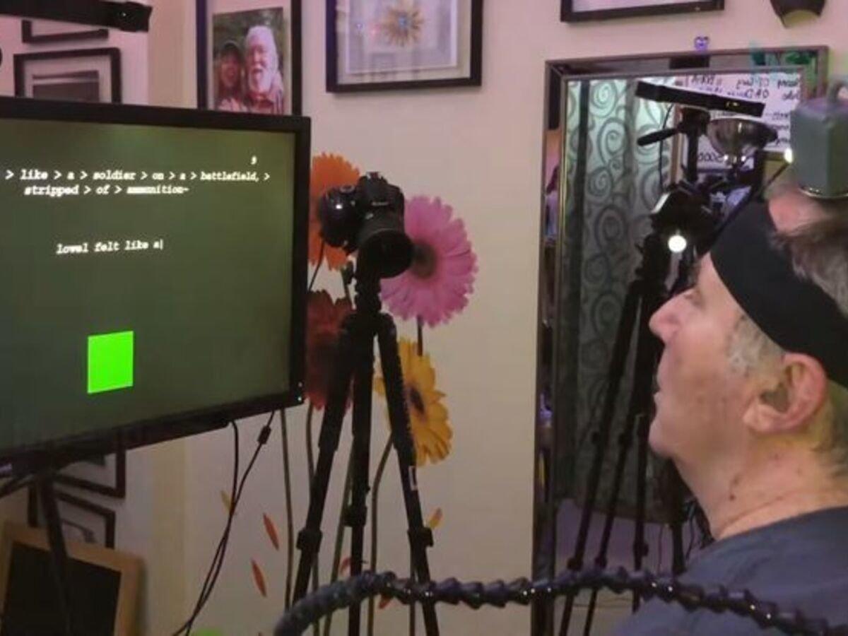 Впервые парализованный человек смог написать текст на экране силой мысли